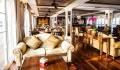 Mekong Navigator Le Salon mit Bar