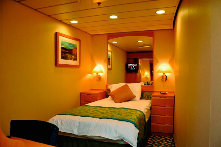 Ms oriana p o cruises for Which cruise line has single cabins
